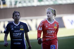 Sarah Elnicky och Nellie Wallner efter matchen mot Lidköping på söndagen.