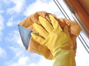 Dags att putsa vinterdammet från dina fönster!Foto: Marina Lohrbach/Adobe Stock
