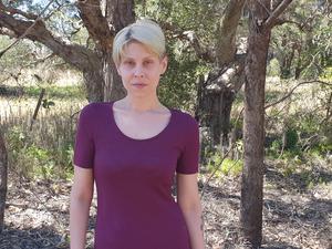 Mina Hunter bor i Glenfield, cirka 3 mil från Sydney.