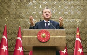 Turkiets president Recep Tayyip Erdogan gestikulerar under ett tal i Ankara på onsdagen,