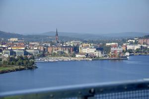 År 2017 röstades Sundsvall fram till Sveriges vackraste stad. Nu kan något av husen även bli Sveriges vackraste byggnad.