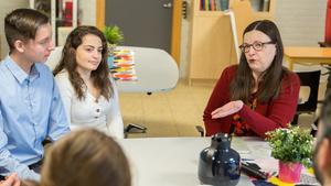 Utbildningsminister Anna Ekström vid ett besök på Wasaskolan i Södertälje i mars 2019.