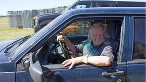 Tommy Eriksson från Lingbo i Hälsingland var en av de första försäljarna på väg in på Johannisberg. Han lever för sin hobby; att sälja bildelar.