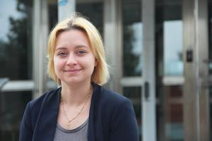 Rebekka ägnar sig även åt lärande på fritiden, i form av en hemsida och en Youtubekanal.