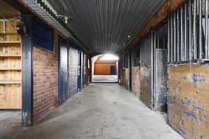 Stall/garage.