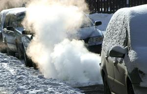 Utsläpp av kväveoxider, inte minst från dieselbilar,  orsakar många för tidiga dödsfall i Västernorrland. Foto: Hasse Holmbert SCANPIX