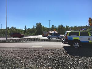 Strax efter klockan 11.00 på måndagen krockade två bilar i Pilborondellen.