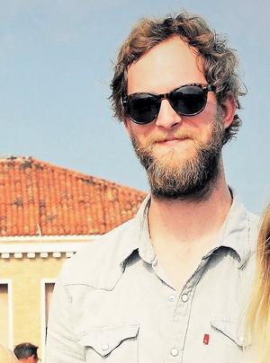 Sara Naenfeldt fyller snart 28 år, samma ålder som storebror Niclas var då han tog sitt liv.