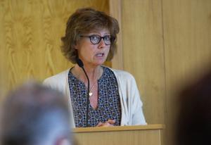 Marie Centerwall (S) tycker att ett kommunalråd är för lite. Arbetsbelastningen blir för stor.