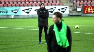 Manager Axel Kjäll har tagit ut 23 spelare till matchpremiären mot Linköping City.
