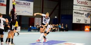 Emma Aarnio och hennes VästeråsIrsta körde fast offensivt mot Lugi.
