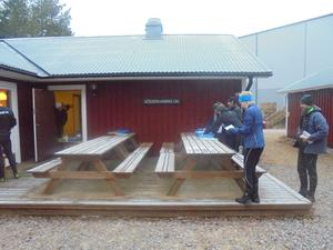 Julcup i orientering gick av stapeln på juldagen på Hällåsen. Det var Söderhamns OK som var ansvariga, lite annorlunda i år, man fick starta en och en. Foto: Leif Blomqvist