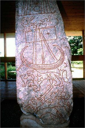 Sidan med skeppet på runstenen från Sparlösa.