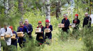 För nästan 70 år sedan grävdes 25 samiska kranier upp på en gravplats i Lycksele. På fredagen återbördades de. Foto: Per Landfors.