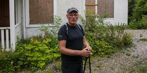 Åke Andersson har många idéer för Älgbostad. Nu finns en förening som ska verka för att förfallet stoppas.