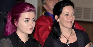Idol-Frida Josefsson och mamma Annelie stannade kvar efter sitt framträdande med Get Back för att lyssna på Flippers och Lucas.