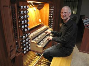 Martin Schiffer, kantor och drivande musikalisk kraft i Lits församling, svarade för den inledande konserten under Orgelveckan i Östersund.