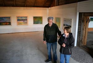 Tomas och Margot Holst driver konstgården.