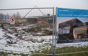 Simhallen på Lugnet är på väg in i sin tredje fas - uppbyggnadsfasen. Under våren ska markarbetena vara klara och huset ska börja ta form.