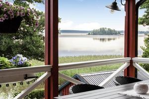 Utsikten mot Mälaren är svår att slå. Foto: Svensk Fastighetsförmedling Kungsör