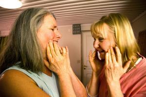 Att dutta på kinden är ett enkelt sätt att öka kroppsmedvetenheten.