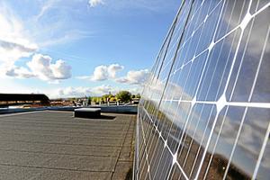 Den installerade effekten av solceller i länet ökade med 76 procent, skriver Anna Werner.