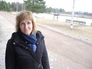 Anna Hed, kommunalråd, berättar om planerna att etablera ett nytt handelsområde norr om Färnäs. Arkivbild av Mats Laggar.