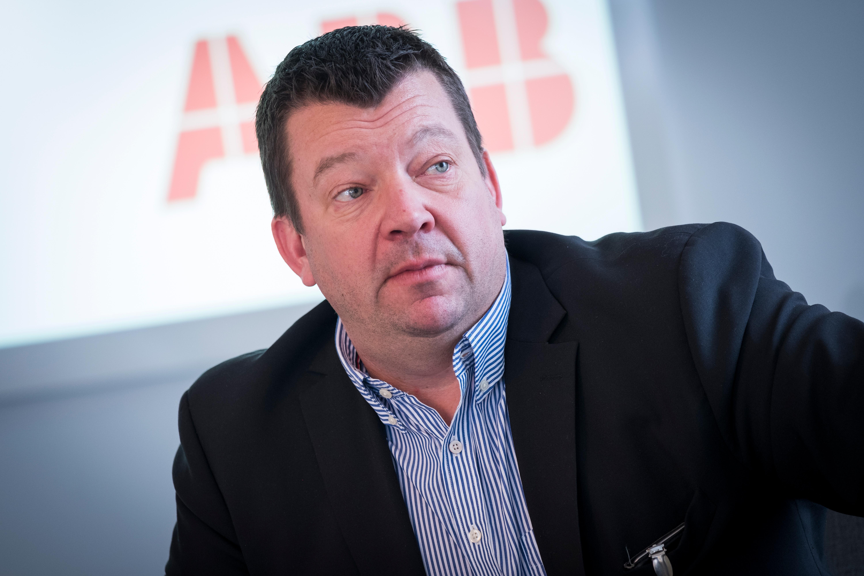 Magnus Ström är platschef på ABB och har engagerat sig för mångfald och tolerans. Foto: Kim Norman.