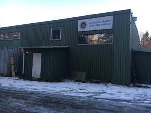Brandtstationen på Blidö är navet för allmänheten på ön. Här kan man träffas och få hjälp eller bara fika och värma sig.