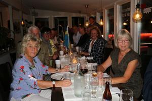Allianspartierna i Askersund höll sin valvaka på restaurang En trappa upp.