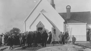 Bilden från 1928, då kyrkan var klar.   Bilden är utlånad av Kristina Strömbom Arholma.