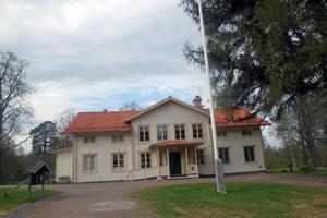 Efter många år av svidande förluster har politikerna i Vansbro kommun bestämt sig för att sälja anläggningen vid Snöå Bruk.