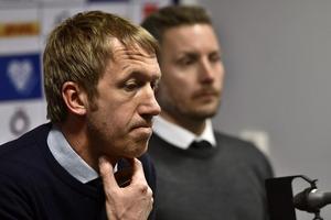 Axel Kjäll i skymundan på presskonferensen, men det är en synvilla. Örebrotränaren var den som var mest i fokus, efter en fantastiskt insats.Foto: Robert Henriksson