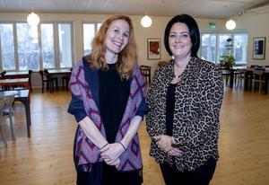 Museichefen Jenny Samuelsson, till vänster, och Linda Jonsson i museets restauranglokal.