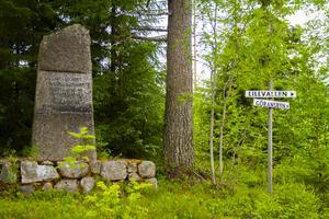 Lillvallskorset, där vägarna möts. Precis där har Madeleine Steding sin sommarpärla med familjen.