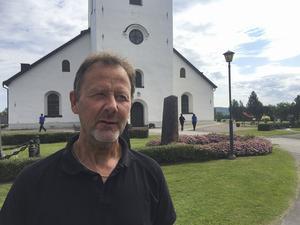 """""""Jag uppskattar att vi kan ta åtta till tio miljoner ur vår egen plånbok utan att vi så att säga tar oss vatten över huvudet"""", säger kyrkogårds- och fastighetschefen Roland Persson."""