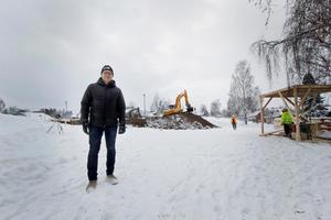 Erik Kristiansson är vd på det kommunala bostadsbolaget Hedemorabostäder. Han berättar om ett helt nytt tryck på bostäder i dagens läge.