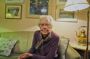 Britt Lindblad har släppt fyra böcker varav två är böcker som är baserade på krönikor som hon skrivit i Länstidningen. Den första boken heter