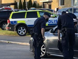 Polisinsats i Värnamo efter en av den senaste tidens skjutningar.