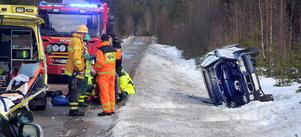 Oberäkneligt väglag var förmodligen anledningen till att en bil fick sladd mellan Växbo och Rengsjö på onsdagseftermiddagen.