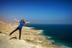 Linda vid Döda havet, Israel.Bild: Linda Sjölander Dillenbeck/Privat