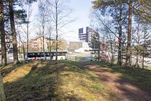 Mattsbohöjden ligger alldeles intill Avesta centrum. Ändå är intresset att bygga bostäder här än så länge obefintligt hos byggföretagen.