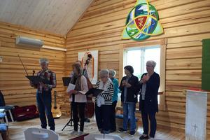 Silversträngarna bjöd på musik i Högvålens kapell.