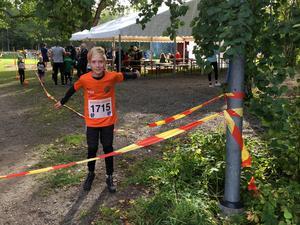 Supertaggad inför loppet - men så kom Erik Lund på andra plats i minijoggens kilometerlopp.