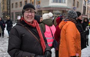 Mai Olofsson (V) har åkt från Mora för att gå i kvinnomarsch på Internationella kvinnodagen.