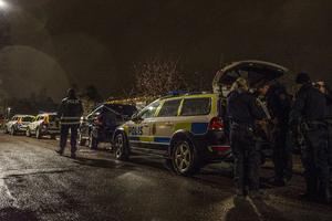 På tisdagskvällen genomförde polisen en husrannsakan på en adress i Krylbo. Foto: Niklas Hagman