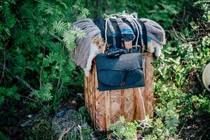 Mikael Åkermans packning är liten och innehåller bara det som han anser är det allra nödvändigaste.