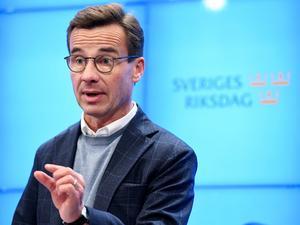 Om den nuvarande övergångsregeringen tvingas att lägga fram en budget för 2019 planerar M-ledaren Ulf Kristersson att lägga fram en moderat skuggbudget. Det finns politiska poänger att vinna på detta, och M-budgeten kan också få riksdagens stöd. Men sett till det stora hela skulle M-budgeten göra mer skada än nytta. Foto: Jonas Ekströmer, TT.
