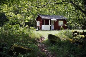 Införandet av sopavgifter för fritidshus har varit en het potatis i flera av Dalarnas kommuner under de senaste åren.