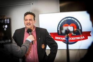Peter Hermodsson säger att han hyser en stor respekt för den tidigare klubbdirektören.